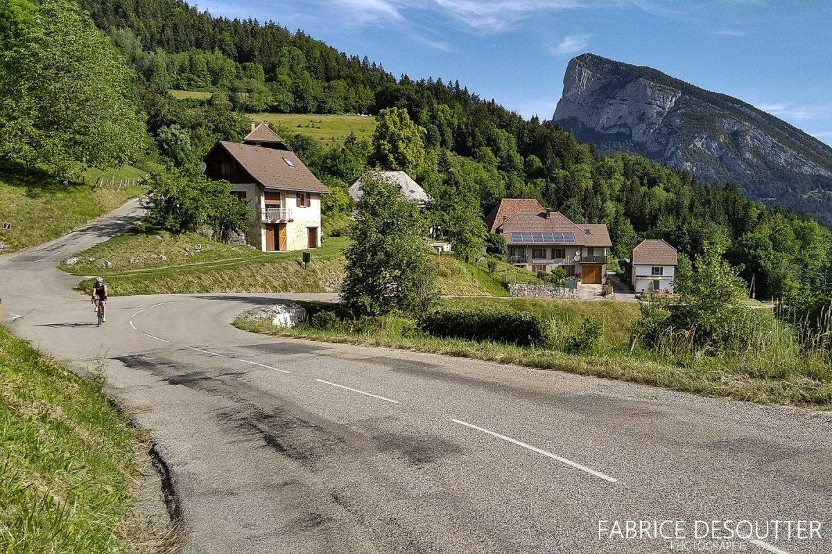 Cyclisme vélo Route Col du Cucheron Saint-Pierre-d'Entremont Massif de la Chartreuse Isère Alpes France - Paysage Montagne Outdoor French Alps Mountain Landscape road bike