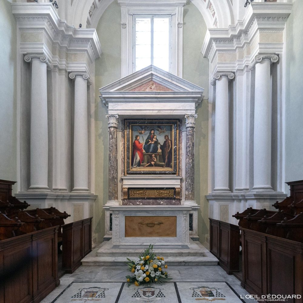 Autel Chapelle Église de Lucques Toscane Italie Voyage Tourisme - Cappella della Chiesa San Michele in Foro Lucca Toscana Italia Travel Italy Tuscany Italian church