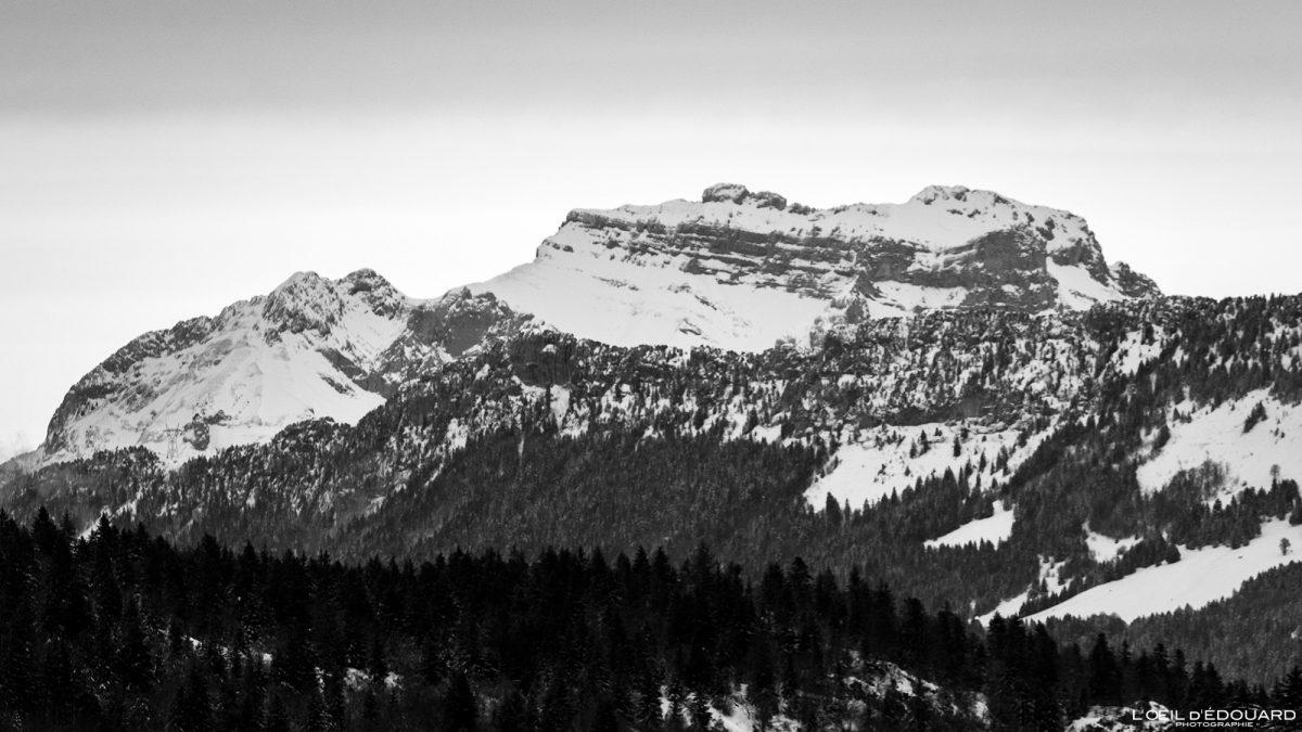 La Tournette en hiver depuis la Croix des Bergers Randonnée Raquettes Le Revard Massif des Bauges Savoie Alpes Paysage Montagne Neige France Outdoor snow winter French Alps Mountain Landscape