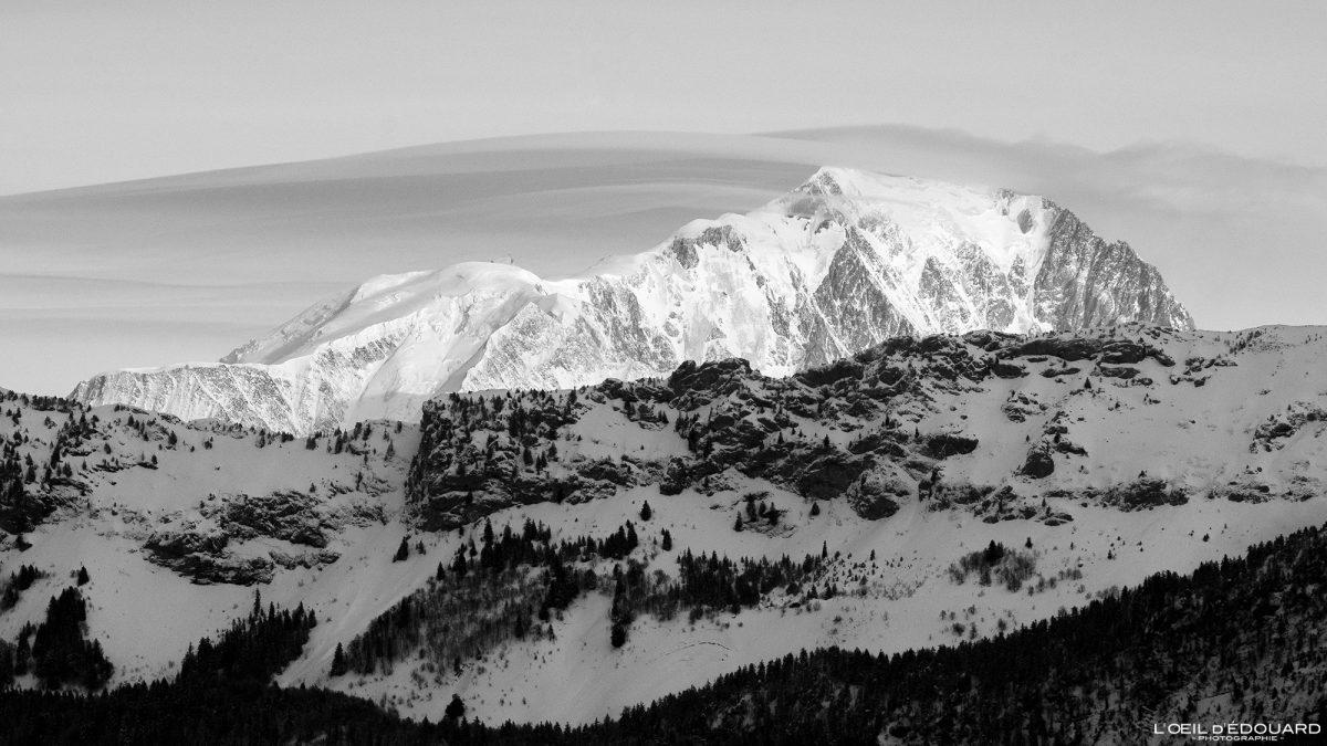 Le Mont Blanc en hiver depuis la Croix des Bergers Randonnée Raquettes Le Revard Massif des Bauges Savoie Alpes Paysage Montagne Neige France Outdoor snow winter French Alps Mountain Landscape