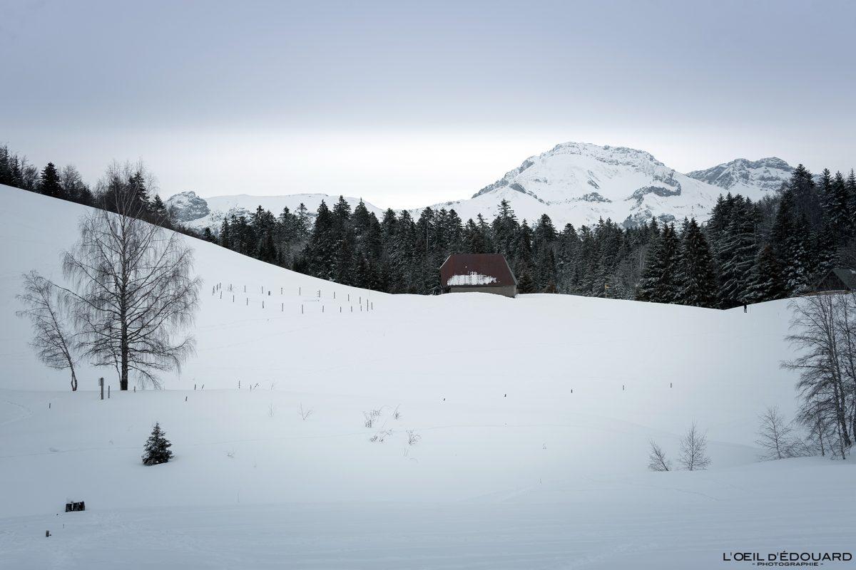 Chalets de Creusâtes Randonnée Raquettes Le Revard Massif des Bauges Savoie Alpes Paysage Montagne Hiver Neige France Outdoor snow winter French Alps Mountain Landscape