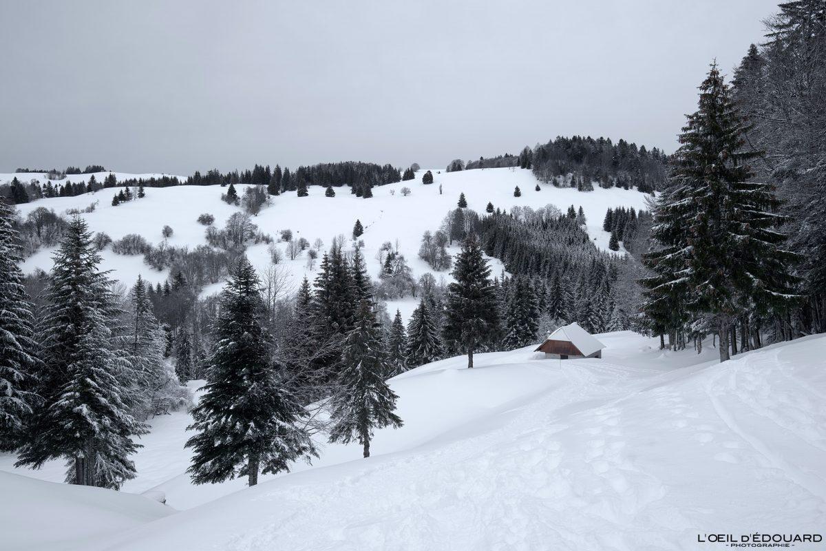 Chalets de Fontaine Froide Randonnée Raquettes Le Revard Massif des Bauges Savoie Alpes Paysage Montagne Hiver Neige France Outdoor snow winter French Alps Mountain Landscape