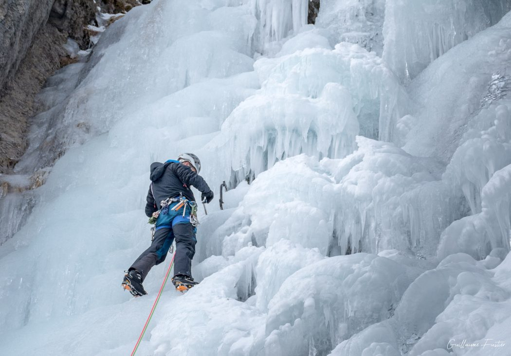 Cascade de Glace autour de Briançon Alpinisme Hautes-Alpes Alpes France Montagne Hiver Outdoor Ice Climbing Mountaineering French Alps Mountain Winter Snow