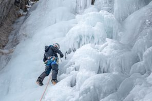 Cascade de Glace autour de Briançon Alpinisme Hautes-Alpes Alpes France Montagne Hiver Outdoor Ice Climbing Mountaineering French Alps Mountain Winter Snow
