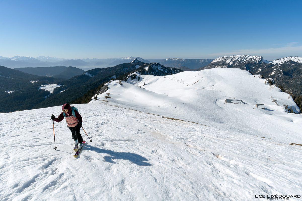 Ski de randonnée Charmant Som en hiver Massif de la Chartreuse Isère Alpes Paysage Montagne Neige France Outdoor French Alps Mountain Landscape Winter Snow Skiing Ski Touring