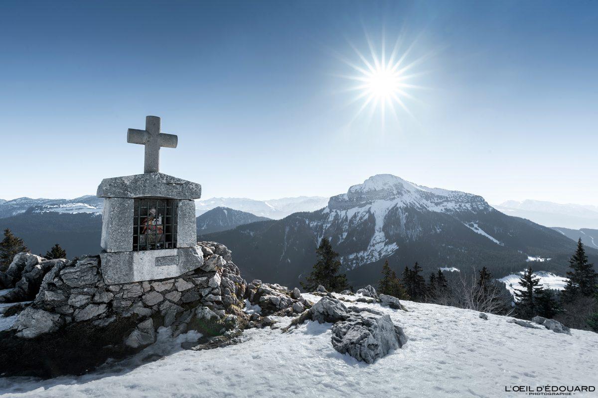 Oratoire d'Orgeval Charmant Som Chamechaude Massif de la Chartreuse Isère Alpes Paysage Montagne Neige France Outdoor French Alps Mountain Landscape Winter Snow