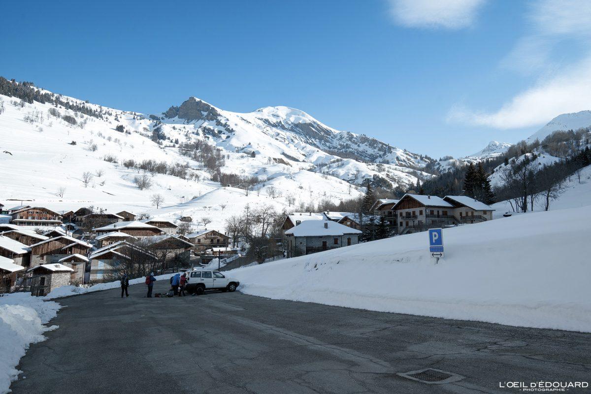 Parking Grand Naves Massif du Beaufortain Savoie Alpes Paysage Montagne Hiver Neige France Outdoor French Alps Mountain Landscape Winter Snow