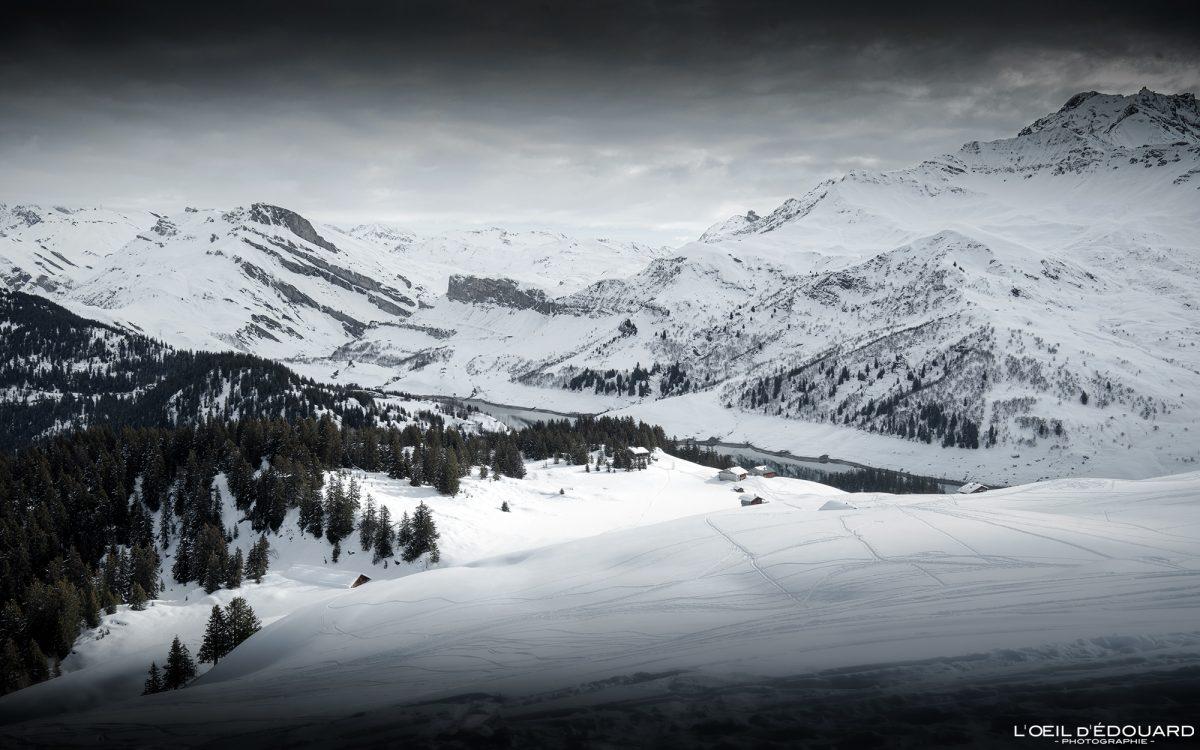 Lac de Roselend en hiver Massif du Beaufortain Savoie Alpes Paysage Montagne Neige France Outdoor French Alps Mountain Landscape Winter Snow Ski touring