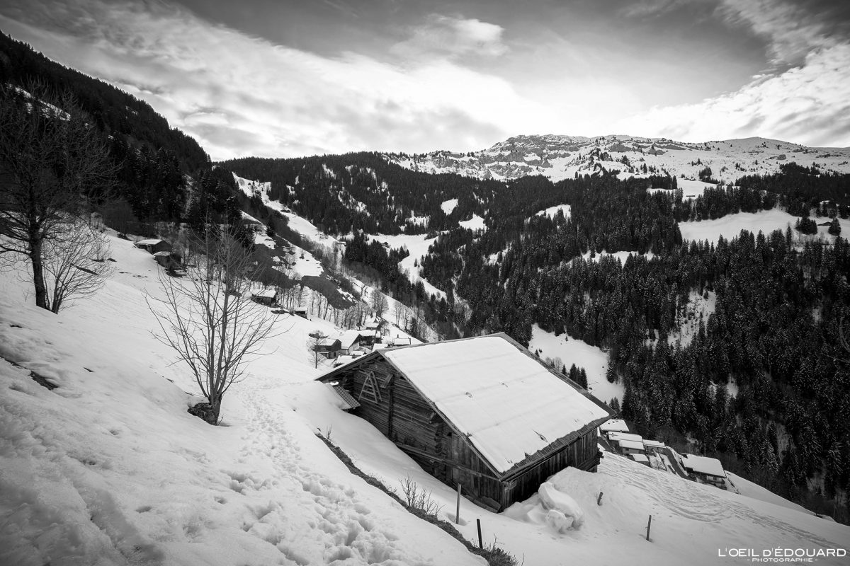 Village de Boudin Roche Parstire Massif du Beaufortain Savoie Alpes Paysage Montagne Hiver Neige France Outdoor French Alps Mountain Landscape Winter Snow