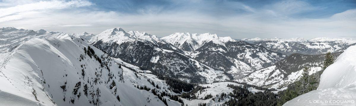 Arêches vu depuis le sommet de la Roche Parstire Ski de randonnée Massif du Beaufortain Hiver Savoie Alpes Paysage Montagne Neige France Outdoor French Alps Mountain Landscape Winter Snow Ski touring