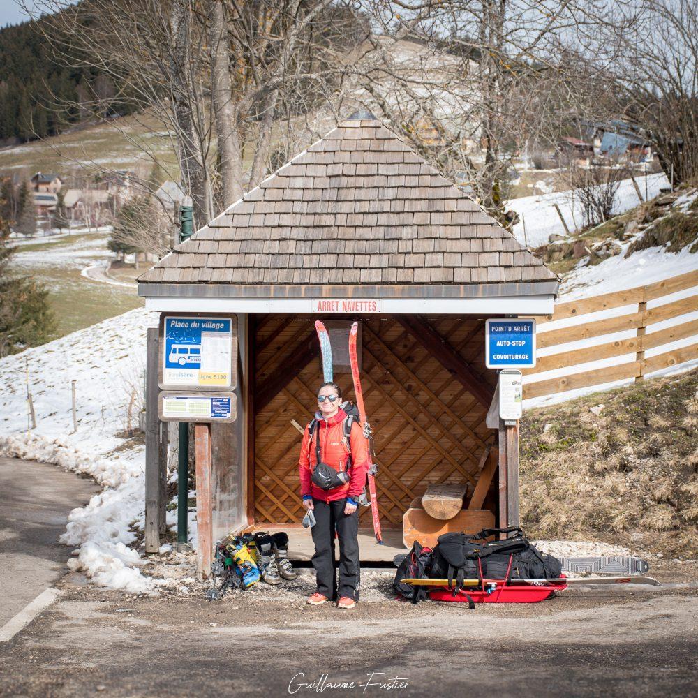 Arrêt de bus navette Corrençon-en-Vercors Massif du Vercors Isère Alpes France Outdoor French Alps Mountain Ski Touring