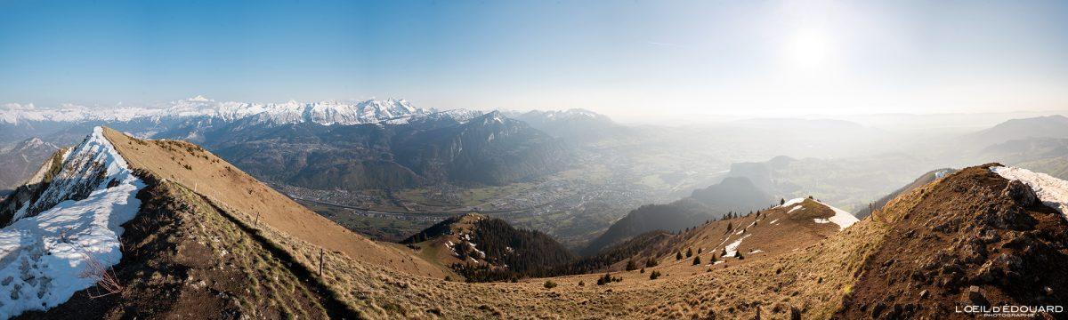 Vue au sommet Le Môle Massif du Chablais Haute-Savoie Alpes France Randonnée Montagne Paysage Outdoor French Alps summit Mountain view Landscape Hike Hiking