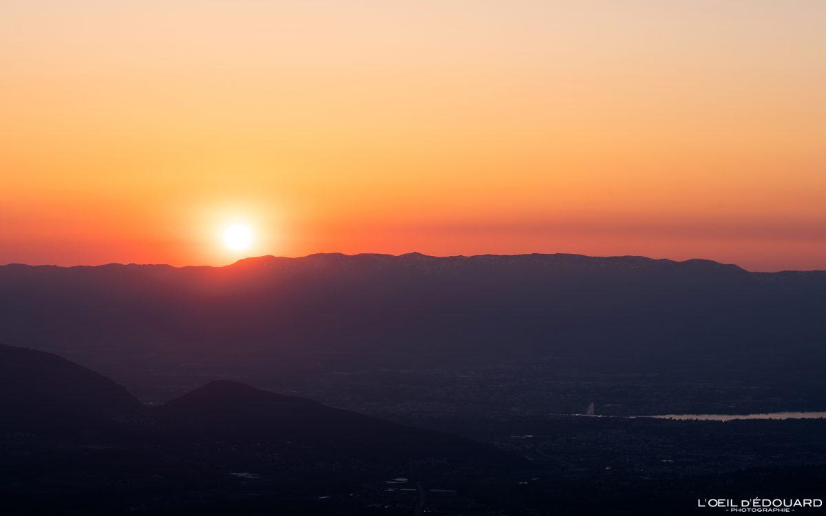 Coucher de soleil sur les Monts du Jura depuis le sommet du Môle - Massif du Chablais Haute-Savoie Alpes France Randonnée Montagne Paysage Outdoor French Alps Mountain view Landscape Sun Sunset colors