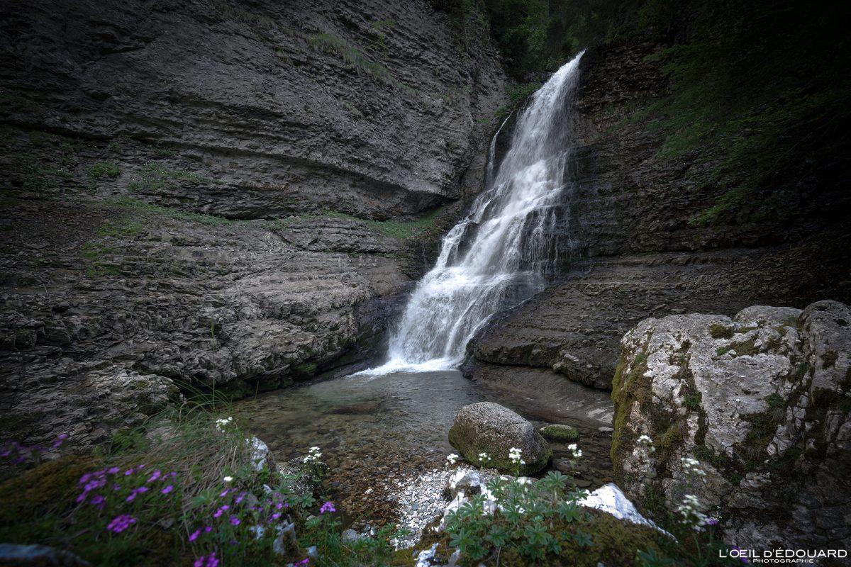 Cascade isolée Cirque de Saint-Même Massif de la Chartreuse Isère Alpes France Randonnée Montagne Paysage Outdoor French Alps Mountain Waterfall Hike Hiking