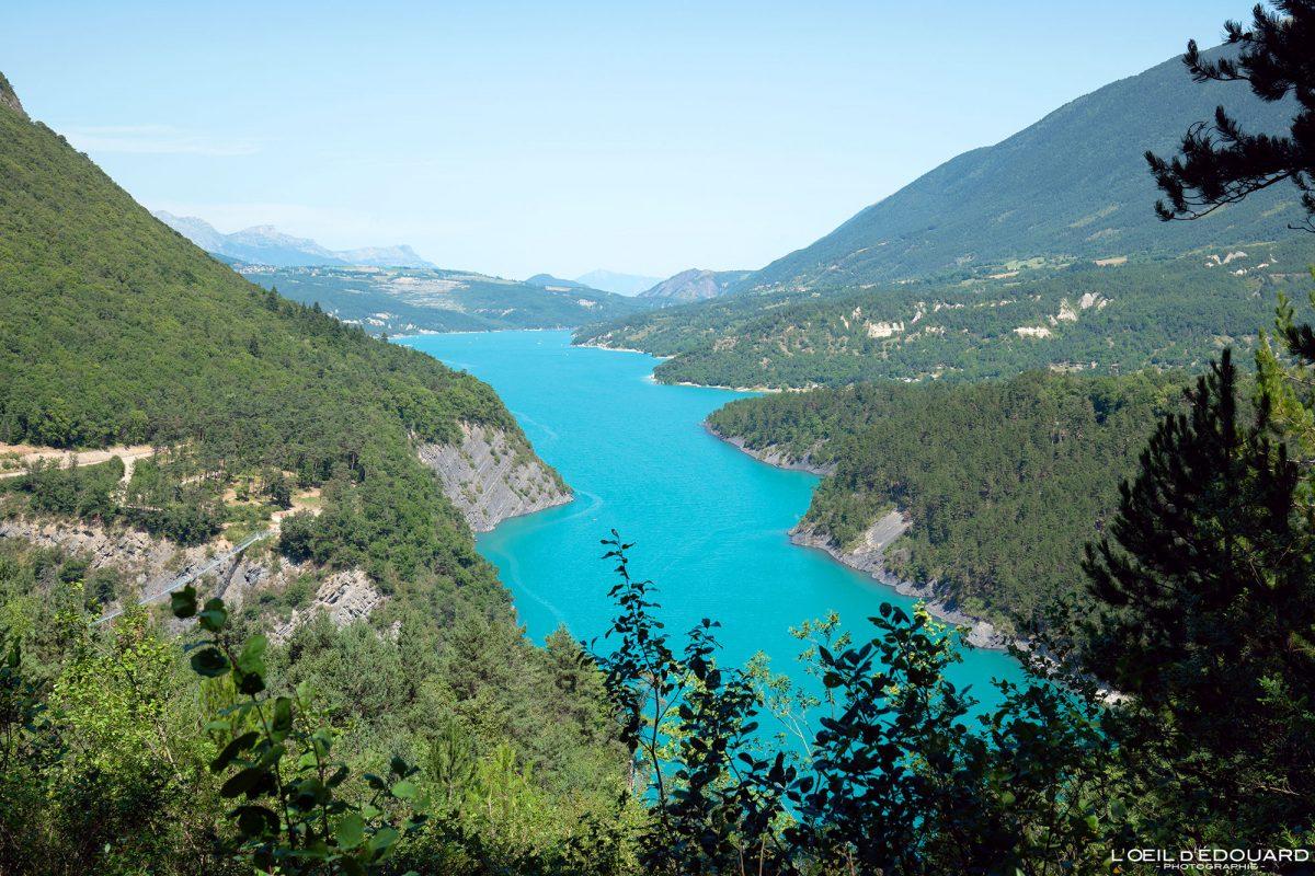 Rivière Ébron Passerelle Himalayenne Lac de Monteynard Avignonet Trièves Isère Alpes France Paysage Montagne Outdoor French Alps River Landscape Mountain