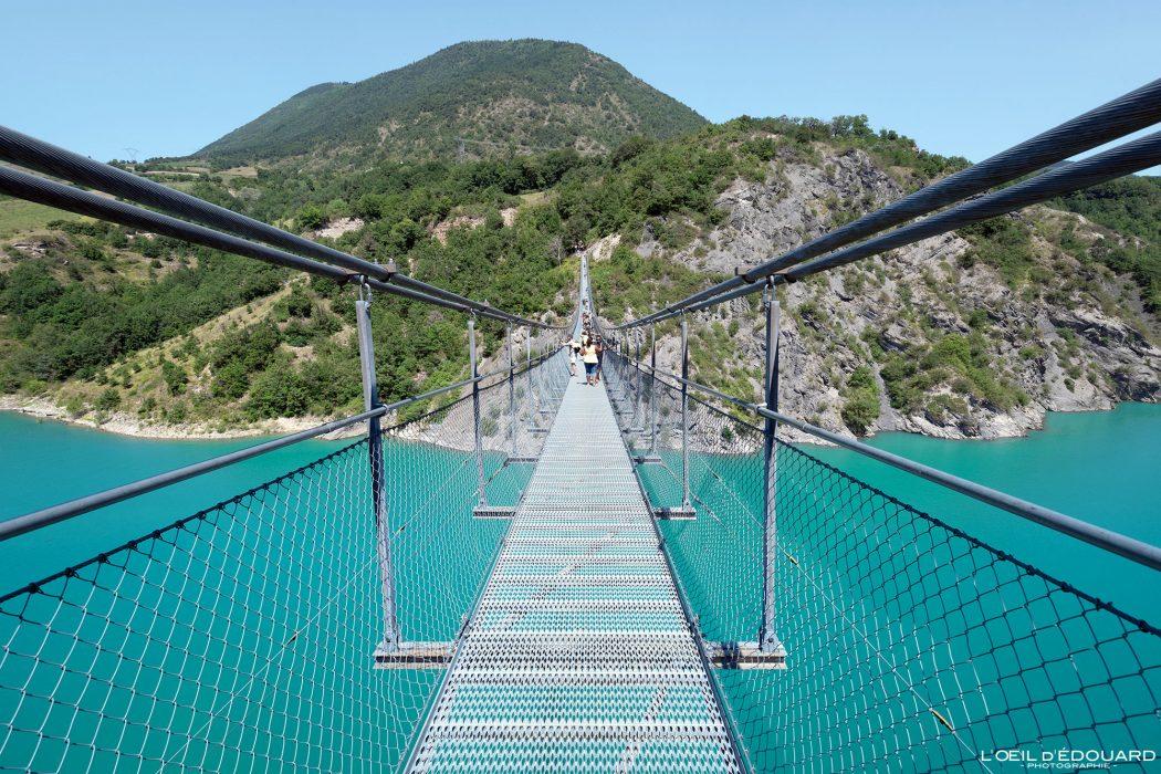 Passerelle Himalayenne du Drac Lac de Monteynard Avignonet Trièves Isère Alpes France Pont suspendu Outdoor French Alps Bridge River Landscape