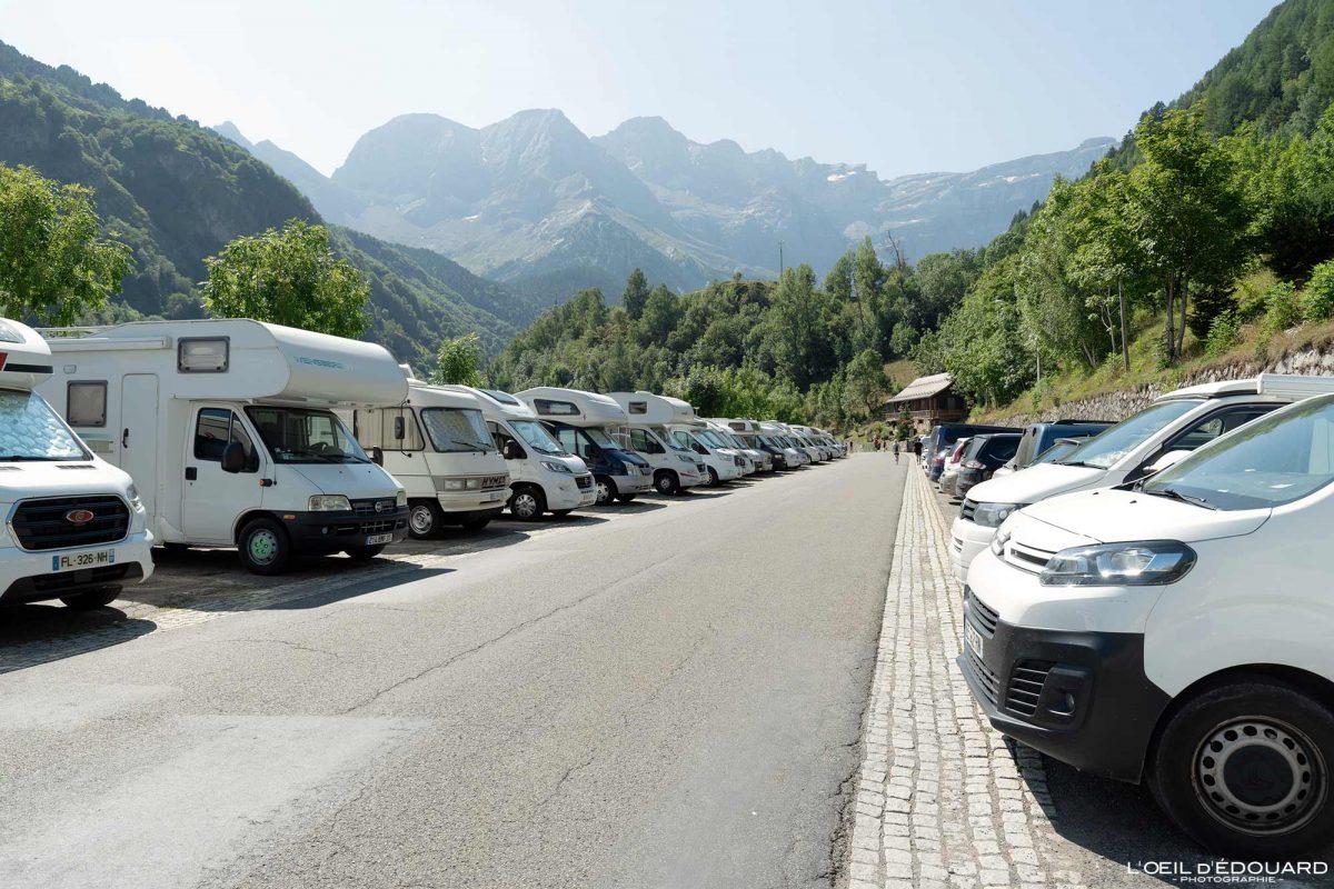 Parking stationnement payant Gavarnie Pyrénées France Village de Montagne