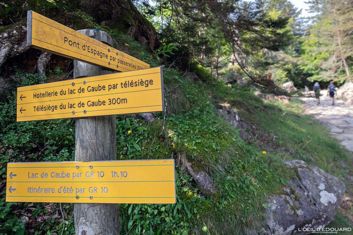 Sentier randonnée Pont d'Espagne Cauterets Pyrénées France Outdoor Hiking Trail Hike