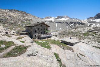 Refuge du Carro Randonnée Haute-Maurienne Savoie Alpes Grées France Paysage Montagne Outdoor French Alps Mountain House Landscape