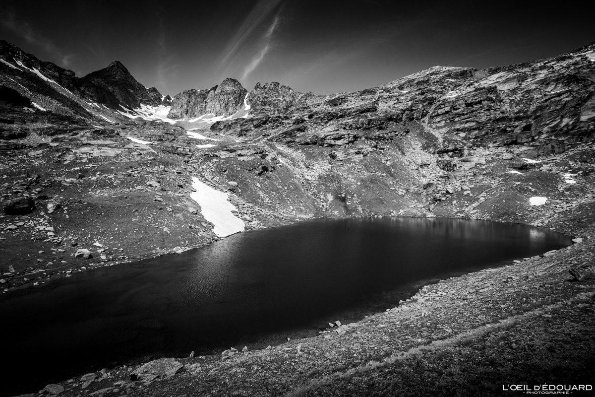 Lac Noir Refuge du Carro Randonnée Haute-Maurienne Savoie Alpes Grées France Paysage Montagne Outdoor French Alps Mountain Lake Landscape