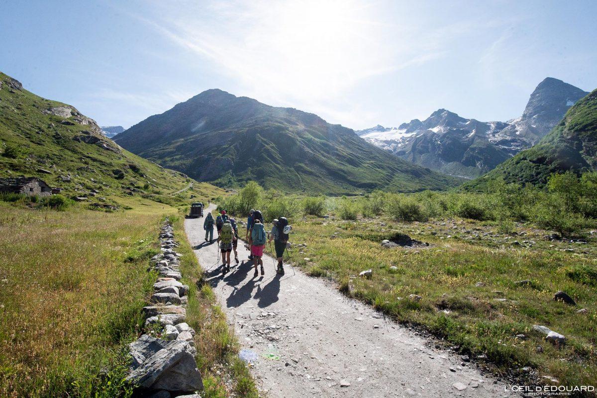 Sentier de Randonnée Refuge du Carro depuis L'Écot Haute-Maurienne Savoie Alpes Grées France Paysage Montagne Outdoor French Alps Mountain Landscape Hike Hiking Trail