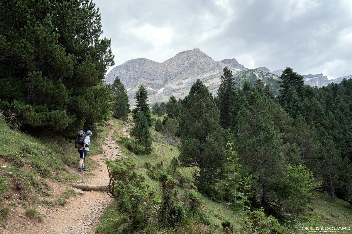 Sentier Randonnée Gavarnie Pyrénées France Paysage Montagne Outdoor Hiking Mountain Landscape